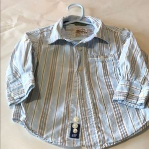 GAP 18-24 month boys button down shirt. Worn 2x!